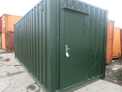 Shipping Container Conversions 20ft ply lined with non slip floor plate