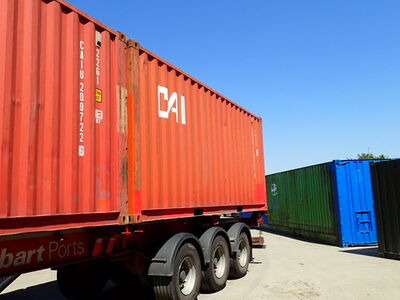 SHIPPING CONTAINERS 20ft ISO red CAIU2097226 click to zoom image