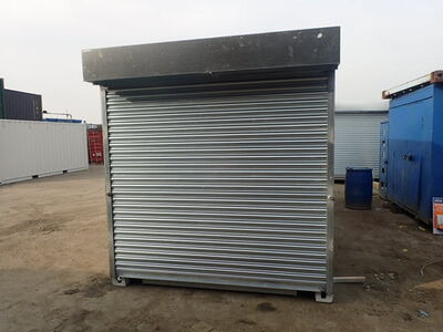 SHIPPING CONTAINERS 10ft S4 roller shutter door