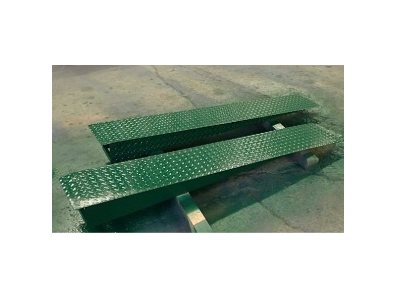 SHIPPING CONTAINERS 6ft car ramp set click to zoom image