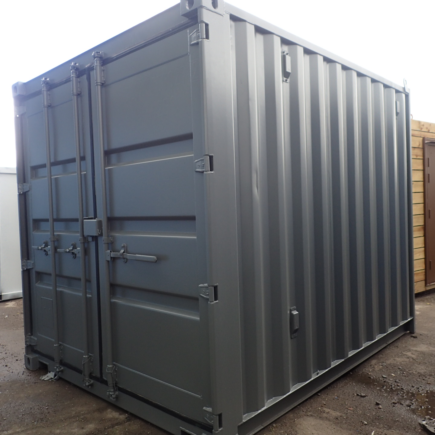 SHIPPING CONTAINERS 8ft S3 doors   £1950.00   5ft to 10ft ...