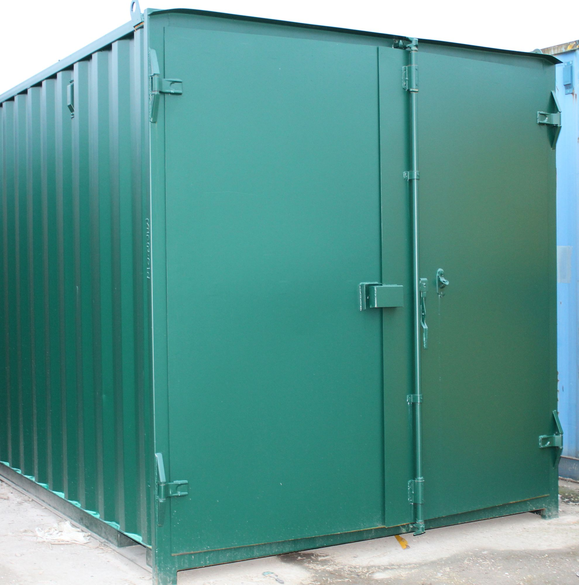 SHIPPING CONTAINERS 25ft S1 doors   £2850.00   20ft to ...