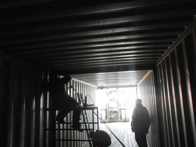 SHIPPING CONTAINERS 40ft transportable as 2 x 20ft units SC70 click to zoom image