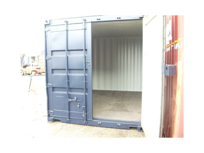 SHIPPING CONTAINERS 10ft S2 doors 20951 click to zoom image