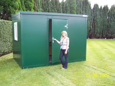 STEEL GARDEN OFFICE 7ft6 / 2.3m x 2.3m